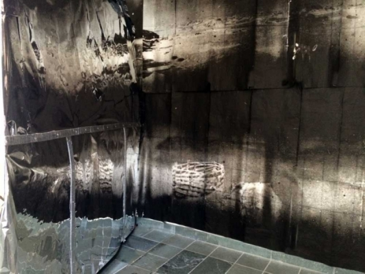 7-Aerolab-back where it melts into wall
